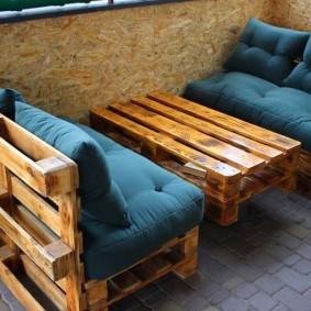 Мягкая мебель из деревянных поддонов