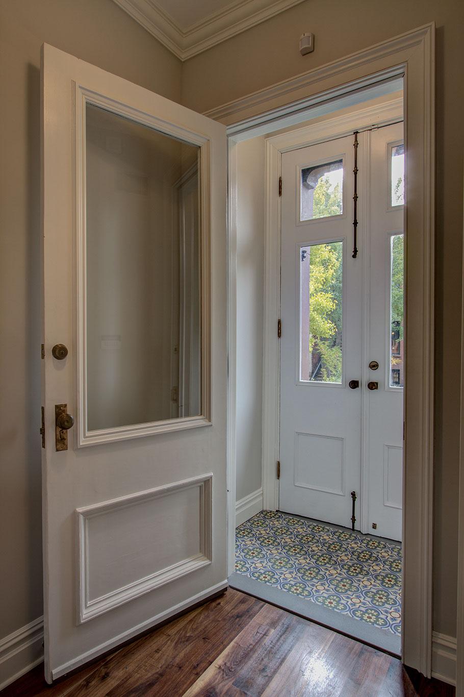 Тюль на окно с балконной дверью фото спецификации