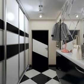Встроенный шкаф-купе со стеклянными створками