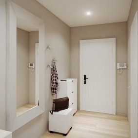 Белая мебель в современном коридоре
