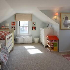 Детская спальня на чердаке частного дома
