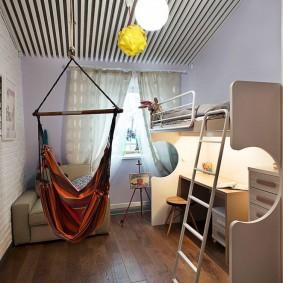 Подвесной гамак в детской комнате