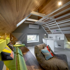 Чердачная комната в современном стиле