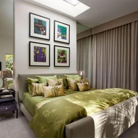 Модульные картины над изголовьем кровати