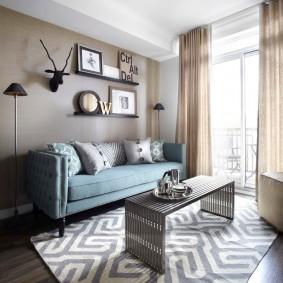 Прямой диван в интерьере гостиной