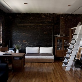 Двухъярусная квартира одинокого мужчины
