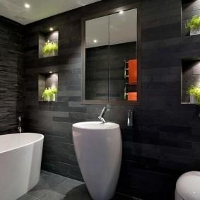Ниши с подсветкой в интерьере ванной с темными стенами