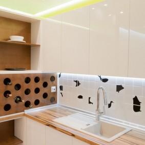Хранение бутылок вина в нише стены