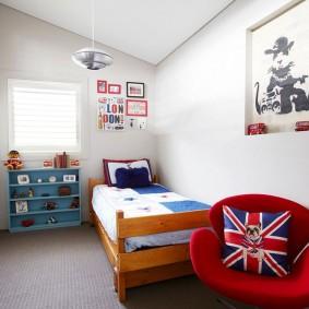 НИша в стене детской спальни