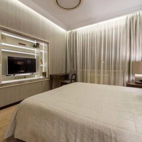 Подвесной потолок в спальном помещении