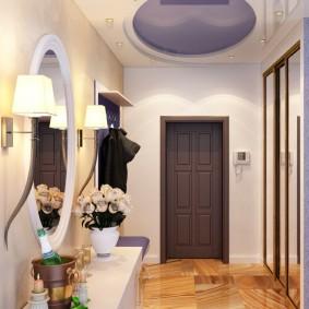 Двухуровневый потолок в небольшом коридоре