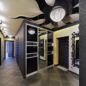 Г-образный коридор в современном стиле