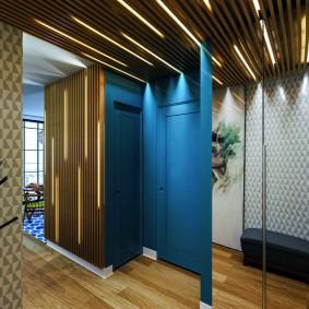 Реечный потолок в коридоре двухкомнатной квартиры