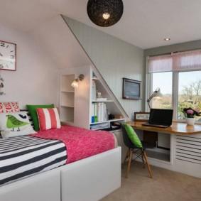 Уютная комната в мансарде частного дома