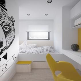Белоснежная комната с желтыми акцентами