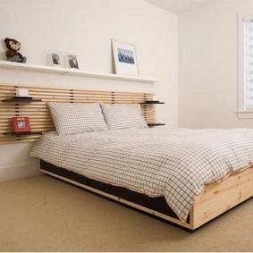 Реечное изголовье кровати для супругов