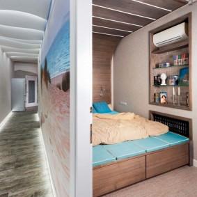 Спальное место в нише гостиной комнаты