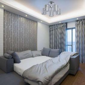 Двухуровневый потолок в спальном помещении
