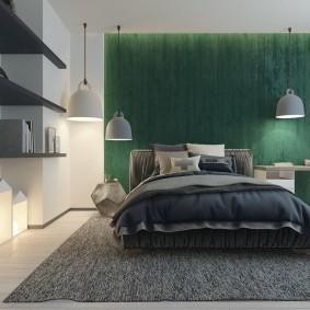 Серые полки на стене спальни