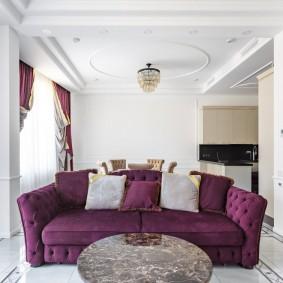 Двойные шторы в гостиной классического стиля