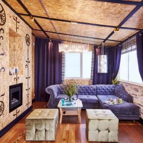 Плотные шторы в комнате с обшивкой из ОСП