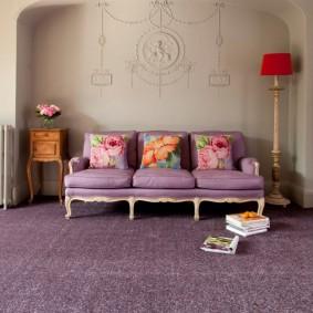 Красивые подушки с цветочным рисунком