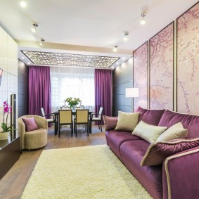 Зонирование гостиной-столовой ковровым покрытием