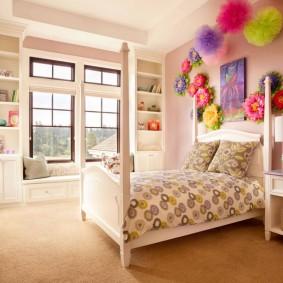 Декор девчачьей комнаты своими руками