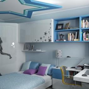 Подвесные полки в комнате подростка