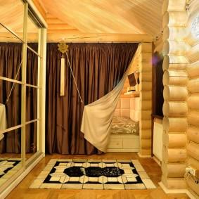 Двусторонняя штора над спальным ложем