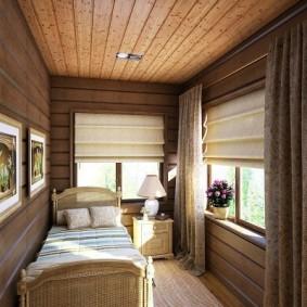 Узкая спальня с деревянными стенами