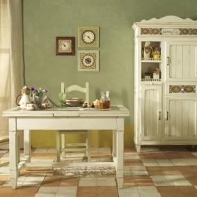 Деревянная мебель в светлых тонах