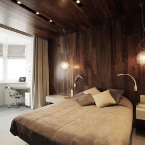 Деревянная отделка стен и потолка спальни