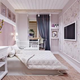 Спальня взрослых с кроваткой для младенца