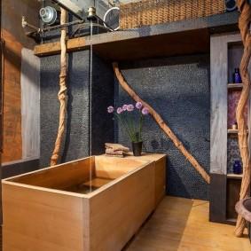 Деревянная ванна в санузле японского стиля