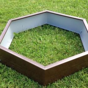 Шестиугольная грядка с односторонним полимерным покрытием
