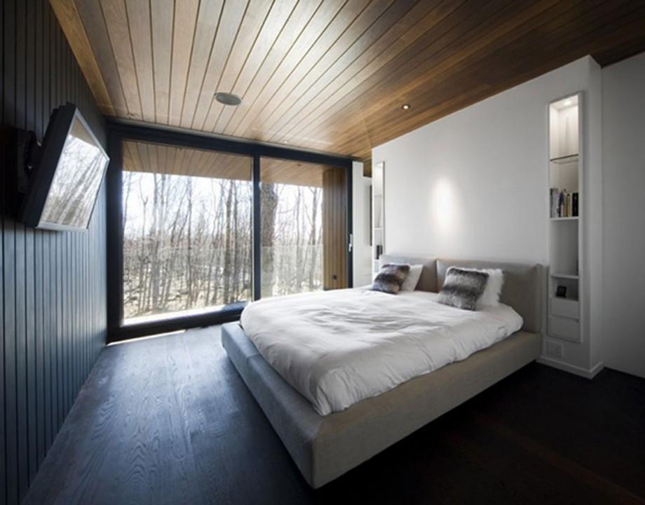 Отделка спальни в стиле хай-тек в частном доме