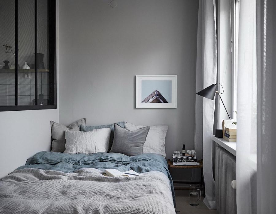 Светлая спальная комната 2 на 2 метра