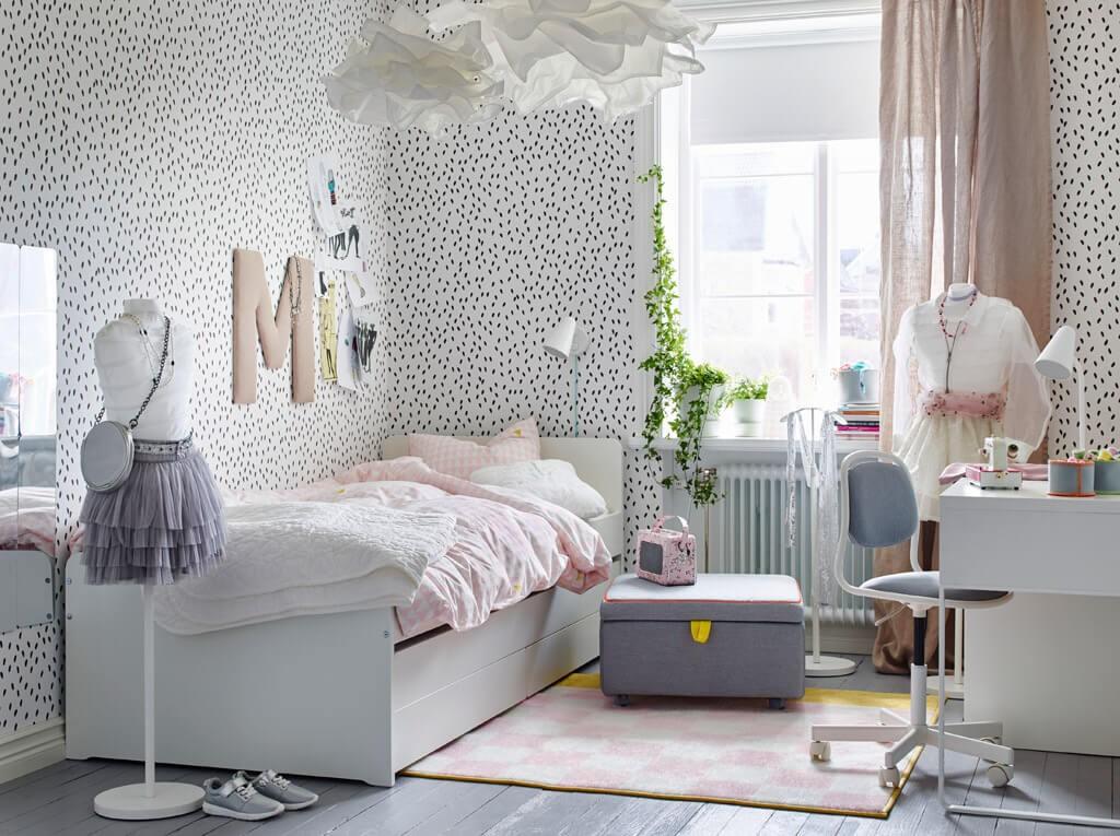 Светлая спальня для девочки подростка