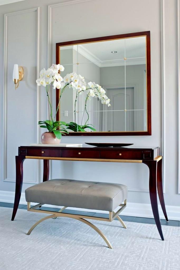 Консольный столик с квадратным зеркалом