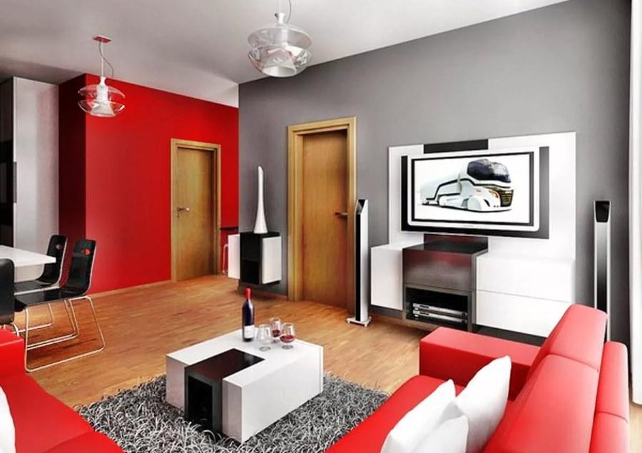 Красный диван в красивой комнате