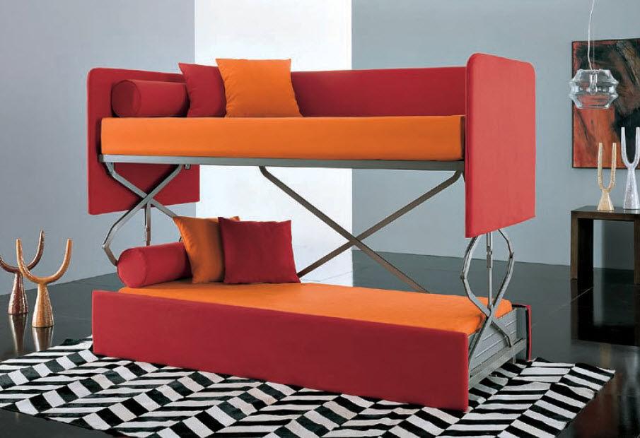 Красно-оранжевый диван-трансформер для подростков