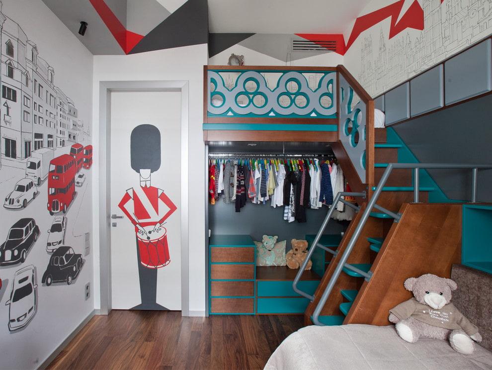 Кровать-чердак с открытым гардеробом внизу