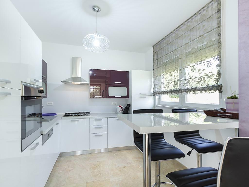 квадратная кухня дизайн