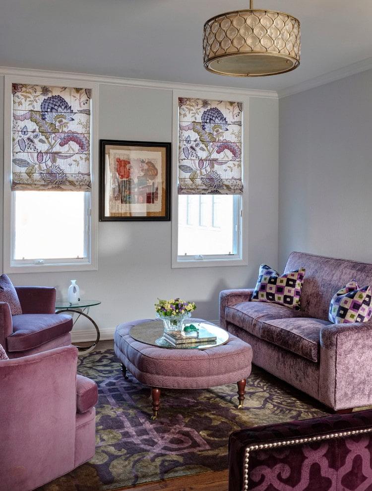 Подбор штор под сиреневый диван в гостиной