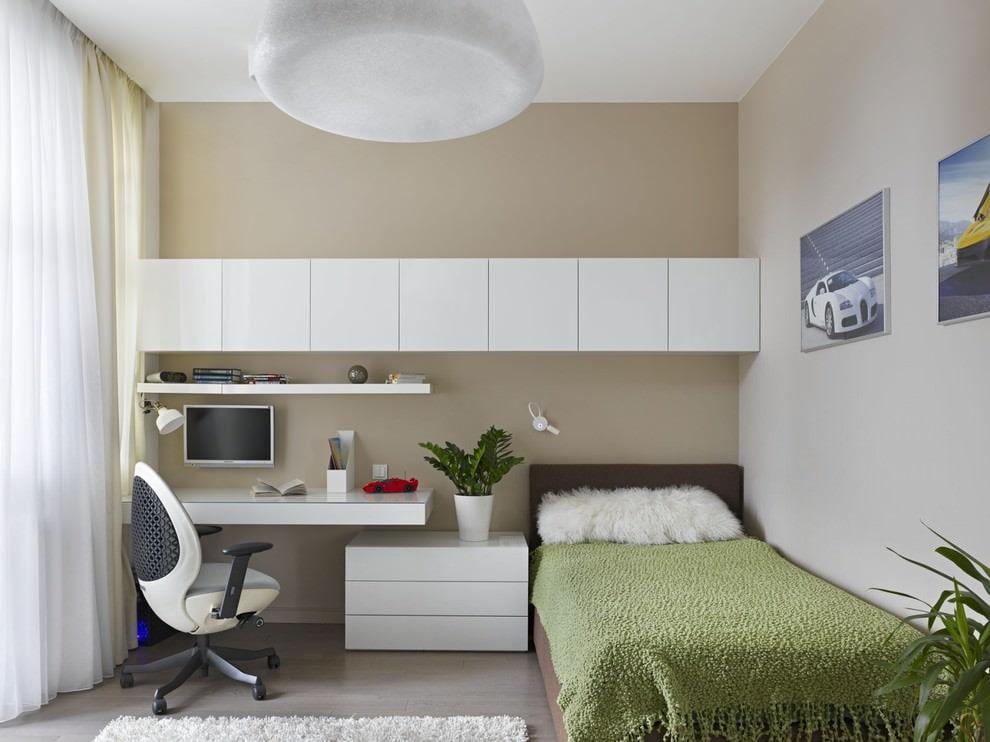 Подвесные шкафы в красивой комнате