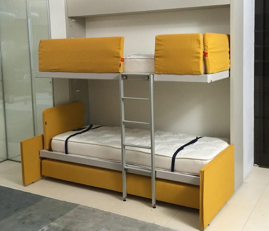 Откидные кровати в спальной комнате подростков