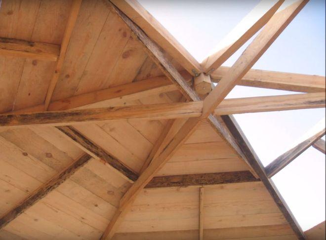 Устройство крыши деревянной беседки шестиугольной формы