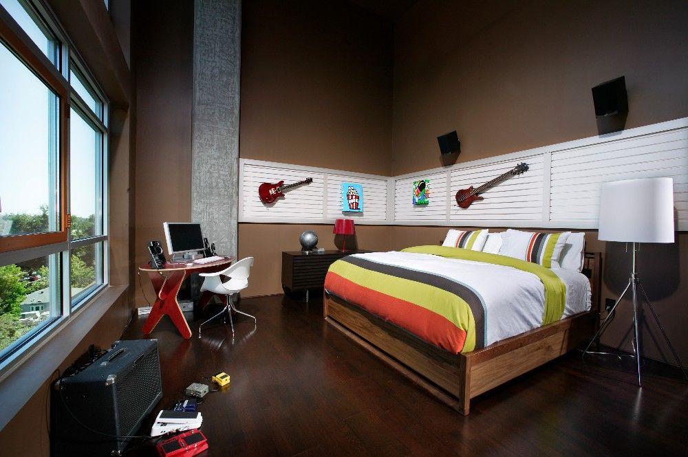 Интерьер комнаты юного музыканта