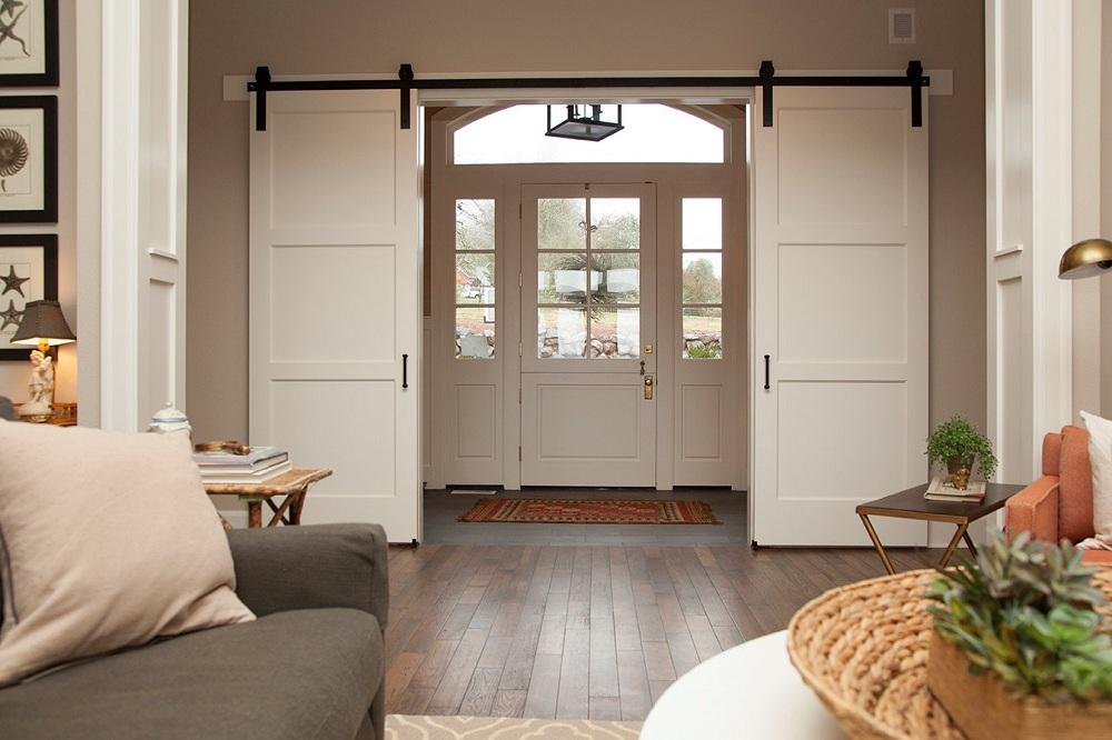 навесные двери в зал